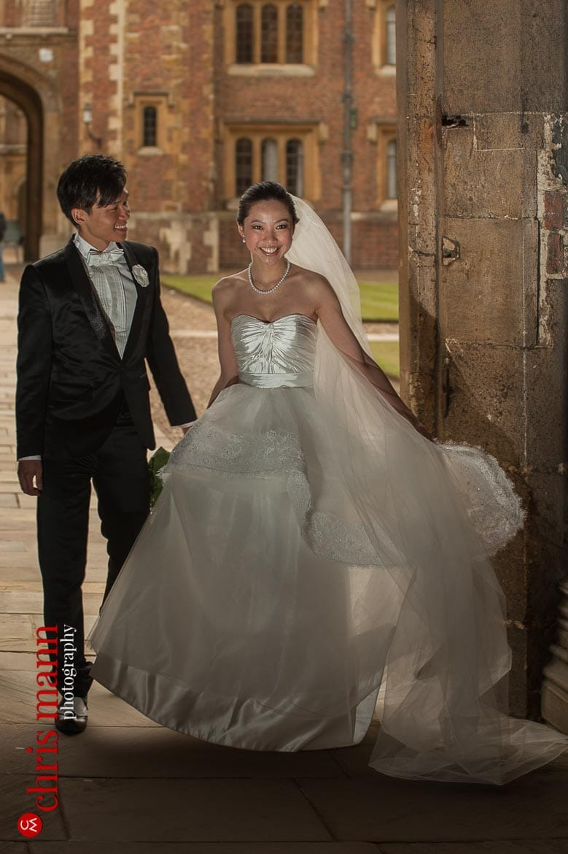 Cambridge pre-wedding shoot at St. John's College