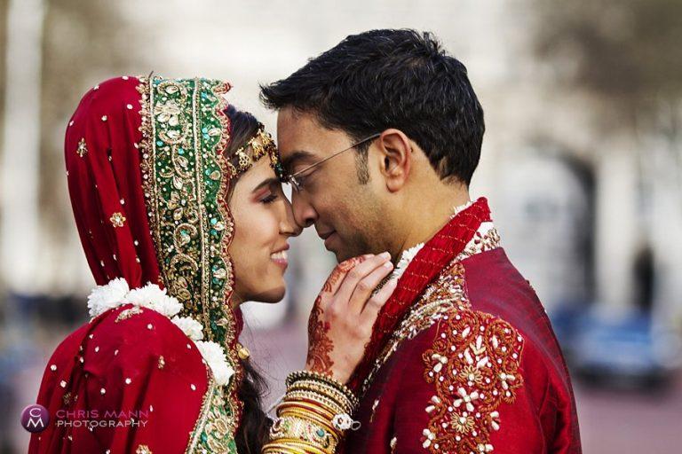 London Hindu wedding: Nina & Ryan at IOD Pall Mall SW1