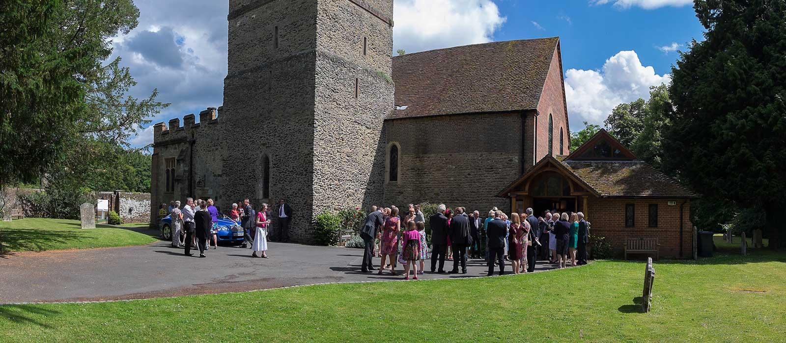 St Johns Wonersh Barnett Hill wedding – Wendy & John
