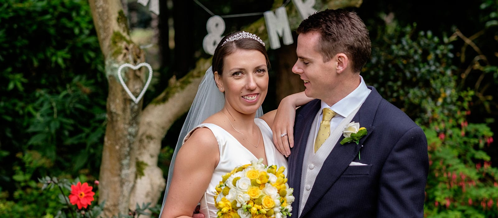 You are currently viewing Hampshire wedding photos | Laura & Matthew