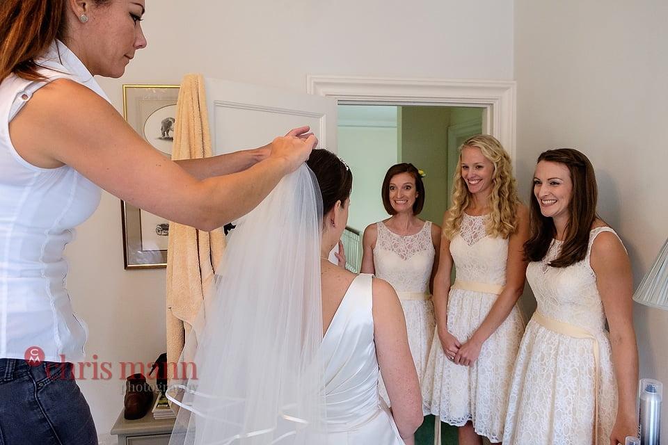 Hampshire wedding photos bride with bridesmaids