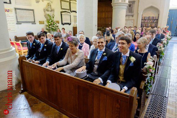 Leatherhead church wedding photo confetti toss