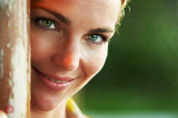 portrait photography Chris Mann woman with green eyes head and shoulders