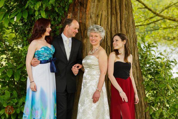 formal elegant family group photo portrait photography Chris Mann