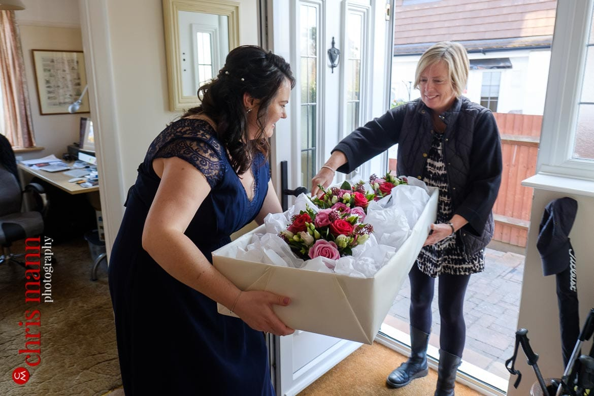 wedding bouquets arrive at the bride's house