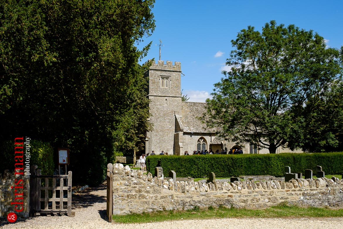Oxfordshire country wedding - St Mary's Church, Buscot